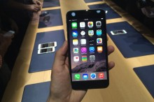 7774332077_l-iphone-6-plus-embarquera-ios-8-d-office-a-sa-sortie-le-19-septembre-2014