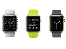 De gauche vers la droite : l'Apple Watch avec le bracelet en métal ; l'Apple Watch ; l'Apple Watch Gold Edition avec le cadrant en or.